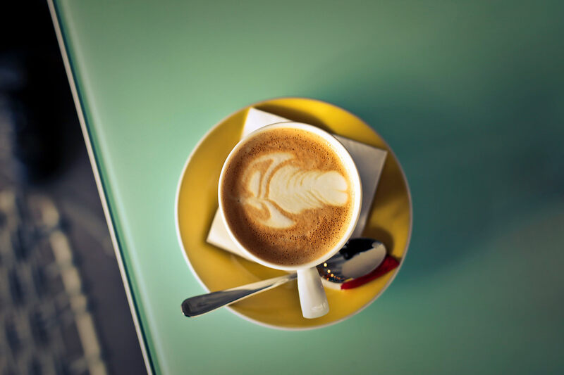 Coffee-cup-with-background-color